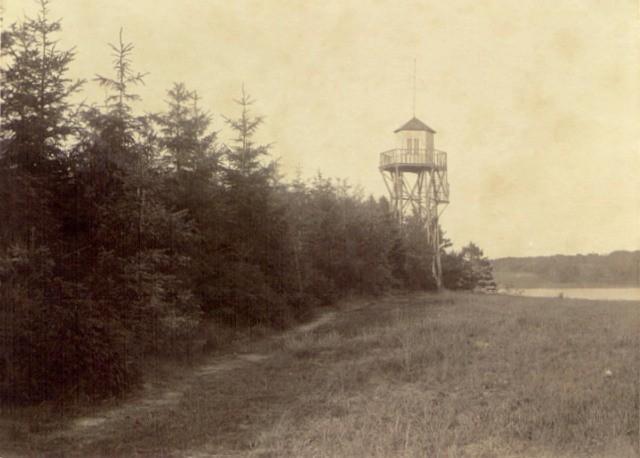 Tårnet på Jenle - stedet hvor talerene blev holdt ved de første Jenle fester